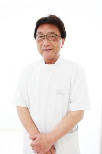 岩田院長肖像写真